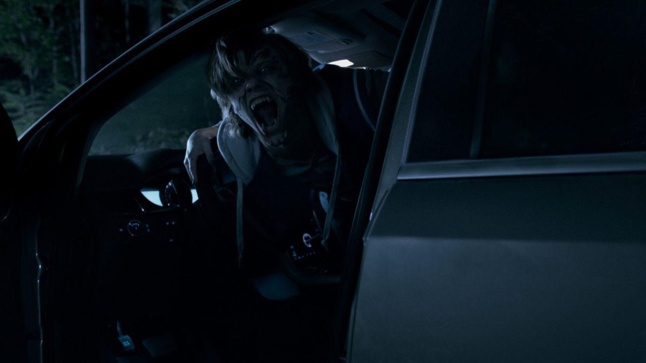 Von Albträumen und Wutanfällen geplagt, muss der 18-jährige Cayden (Lucas Till) feststellen, dass er nicht nur von sonderbaren Wesen träumt, sondern... - Bildquelle: SQUAREONE ENTERTAINMENT GMBH