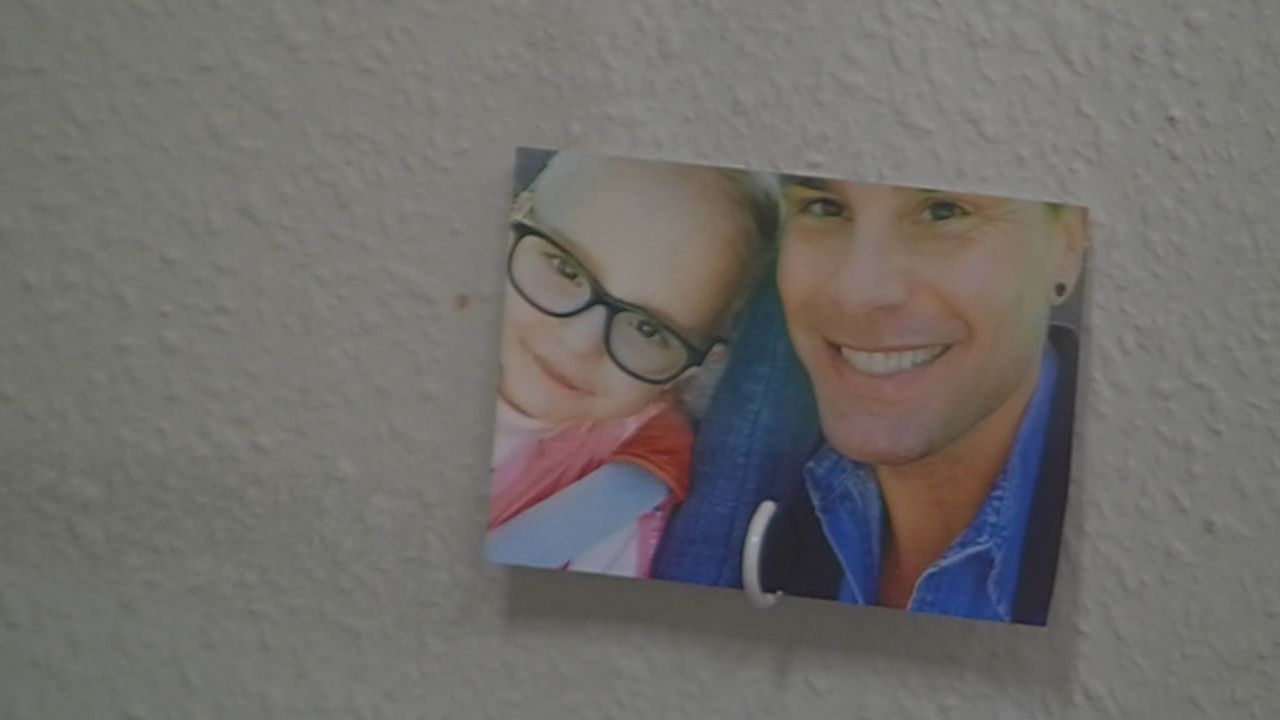 Eloy mit seiner Tochter Indy - Bildquelle: SAT.1