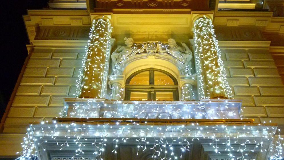 Weihnachtsdeko Für Geländer.Weihnachtliche Balkonbeleuchtung Sat 1 Ratgeber