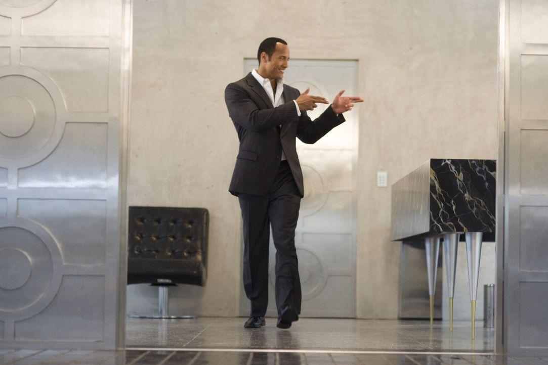 """Superagent 23 (Dwayne Johnson) ist der """"James Bond"""" bei CONTROL - und das große Vorbild vom Maxwell Smart ... - Bildquelle: Warner Brothers"""