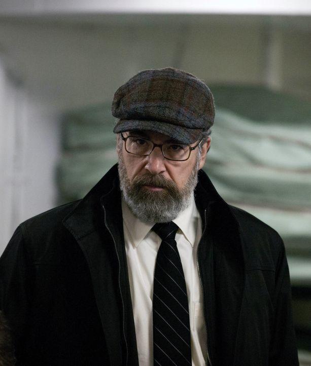 Befindet sich auf geheimer Mission, um seine Karriere bei der CIA zu retten: Saul (Mandy Patinkin) ... - Bildquelle: 20th Century Fox International Television
