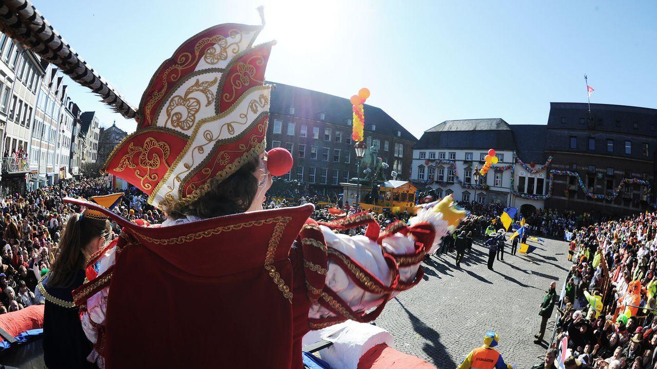 karneval-fasching-umzug-11-03-07-dpa