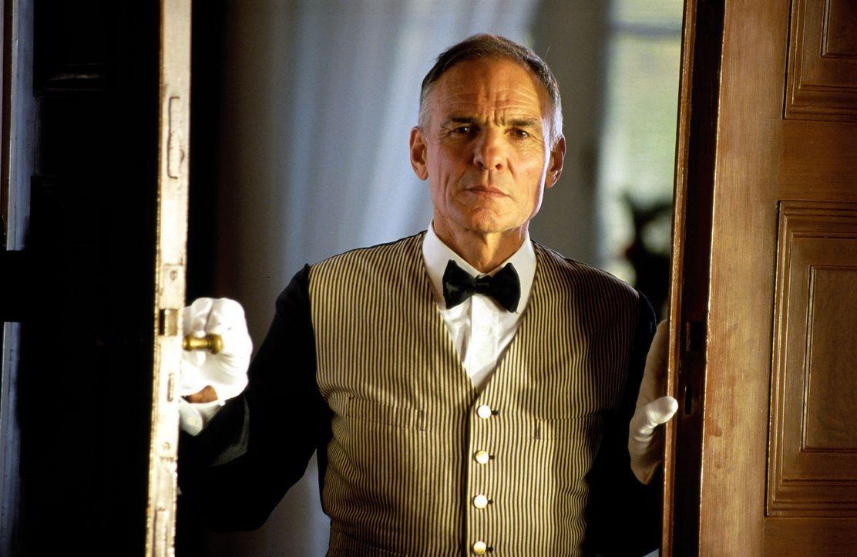 Ist der Hausdiener Karl (Hans Peter Hallwachs) etwa der Vater von Charlotte? - Bildquelle: Hardy Spitz SAT.1