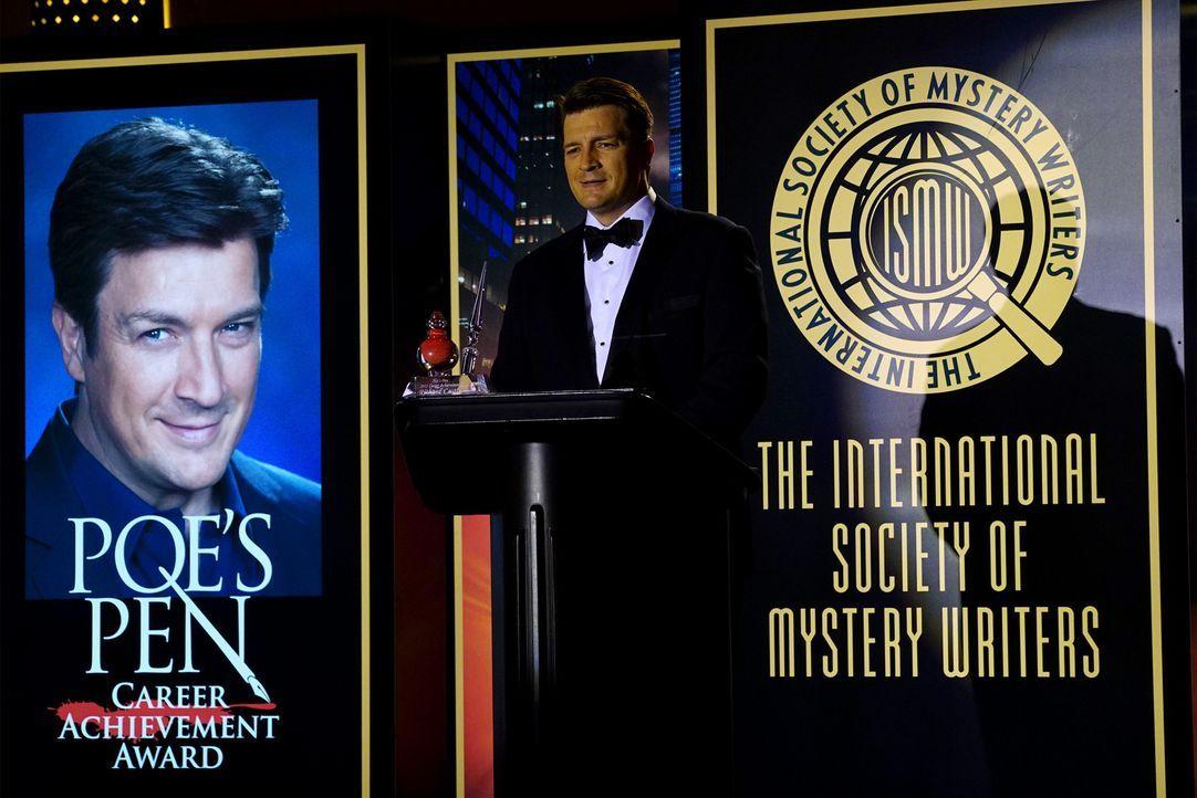 Nicht nur der Preis geht Castle (Nathan Fillion) durch den Kopf, auch der Fall des maskierten Killers betrifft ihn persönlich ... - Bildquelle: Richard Cartwright ABC Studios