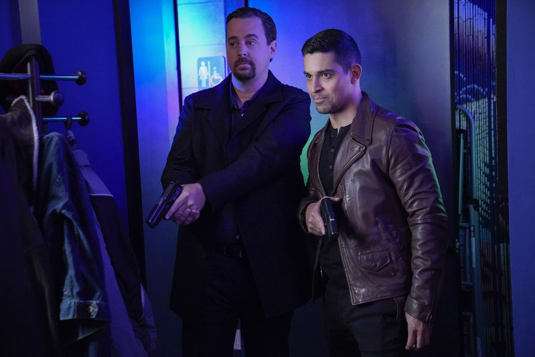 Timothy McGee (Sean Murray, l.); Nick Torres (Wilmer Valderrama, r.) - Bildquelle: Greg Gayne 2019 CBS Broadcasting, Inc. All Rights Reserved. / Greg Gayne