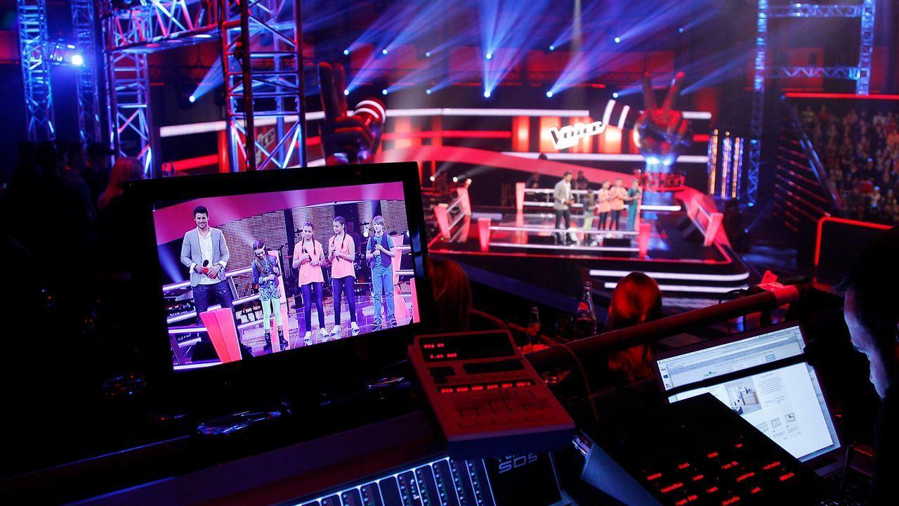 The-Voice-Kids-epi05-GiulianaGillianaTimFabienne-4-SAT1-Richard-Huebner - Bildquelle: SAT.1/Richard Hübner