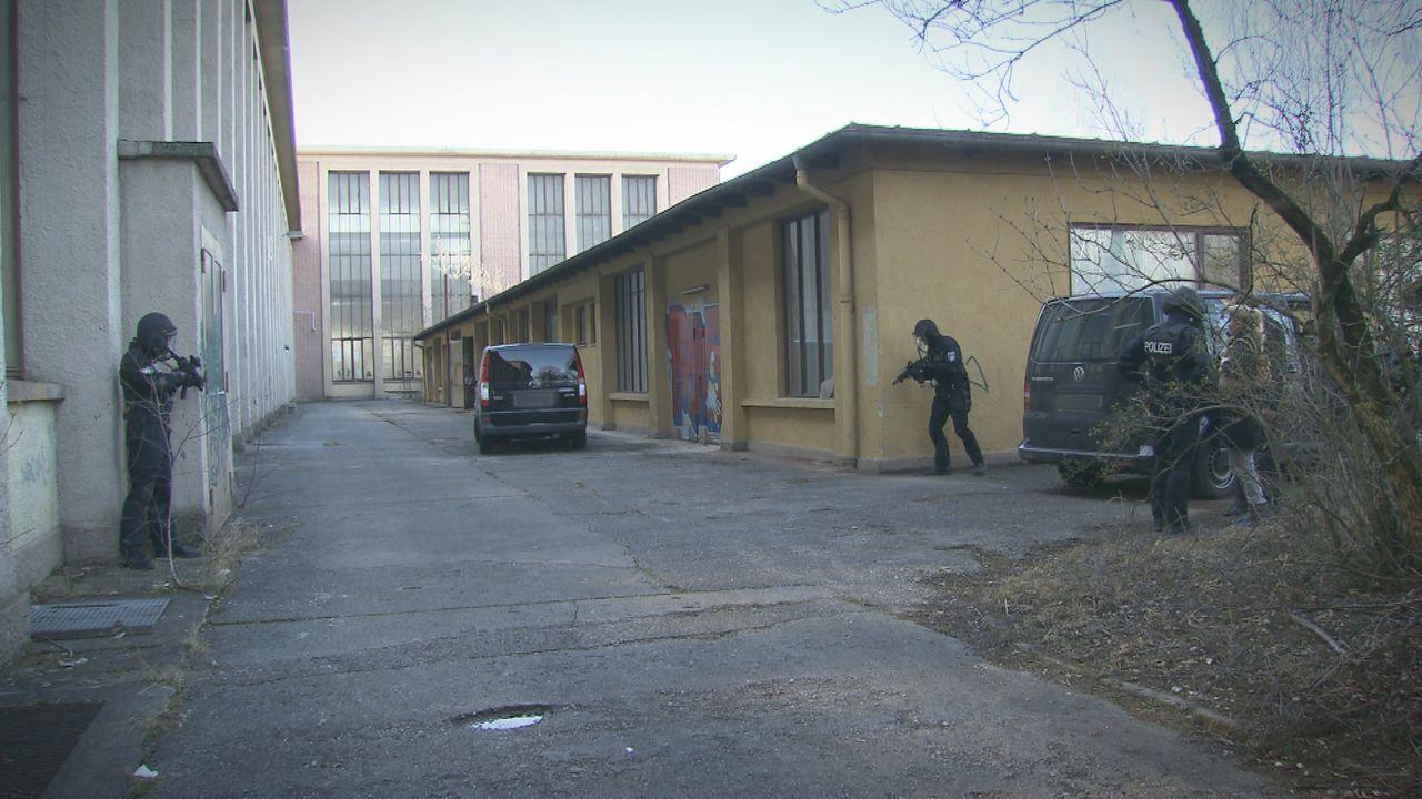 Entführt-Familie-am-Abgrund30 - Bildquelle: SAT.1