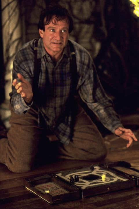 """Alan Parrish (Robin Williams) muss nach 26 Jahren das magische Brettspiel """"Jumanji"""" zu Ende spielen, bevor das Spiel die Welt verwüstet ... - Bildquelle: SONY PICTURES TELEVISION INTERNATIONAL"""