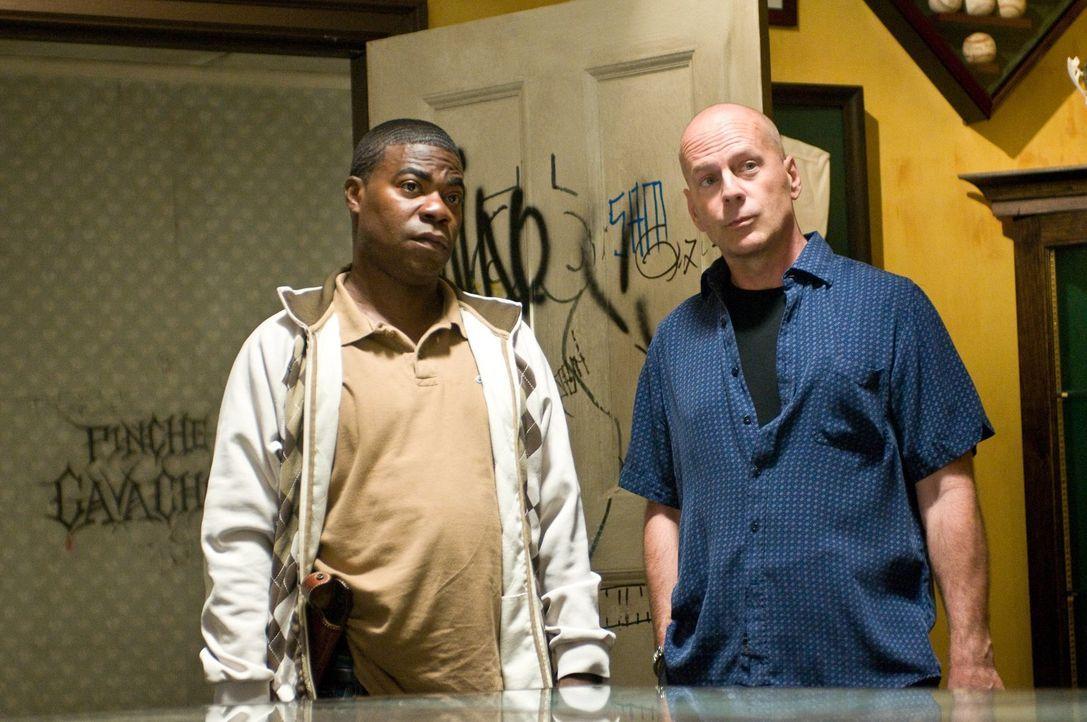 Lassen sich auf einen Deal mit einem Gangsterboss ein, um an eine Baseballsammelkarte zu kommen: Paul (Tracy Morgan, l.) und Jimmy (Bruce Willis, r.... - Bildquelle: 2010 Warner Bros.