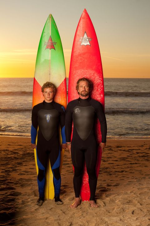 Wollen das schier Unmögliche wagen: Jay Moriarity (Jonny Weston, l.) und Frosty (Gerard Butler, r.) ... - Bildquelle: TM & COPYRIGHT   2011 Twentieth Century Fox Film Corporation and Walden Media, LLC. All Rights Reserved. Not for Sale or Duplication.