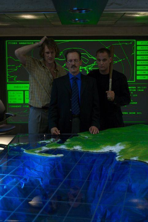 """Alles läuft nach Plan für das korrupte Wissenschaftler-Trio der insolventen """"Camtrell Corporation"""": (v.l.n.r.) Stanley Schiff (Christopher Heyerdahl... - Bildquelle: 2006 RHI Entertainment Distribution, LLC"""