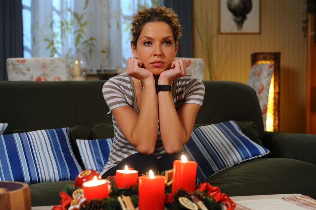 Ist erleichtert, dass Jojo nichts passiert ist: Nina (Maria Wedig) ... - Bildquelle: SAT.1