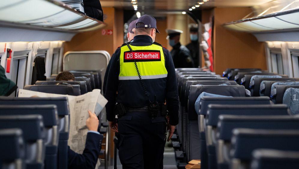 Kontrollen Im Zug
