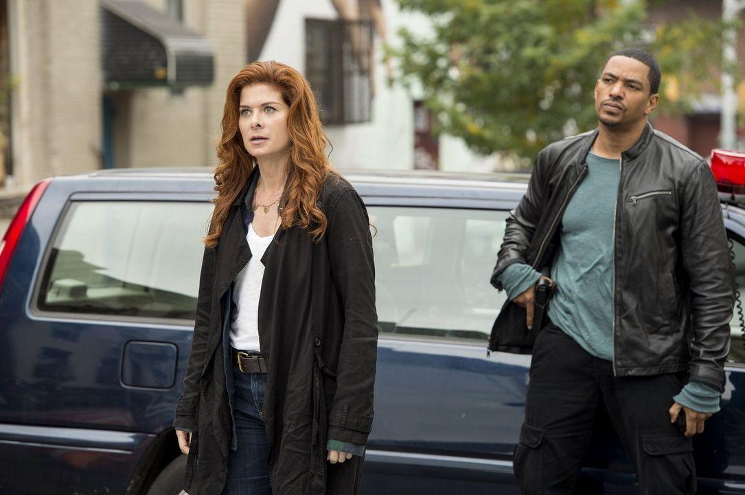 Ein neuer Fall beschäftigt Billy (Laz Alonso, r.) und Laura (Debra Messing, l.) ... - Bildquelle: Warner Bros. Entertainment, Inc.