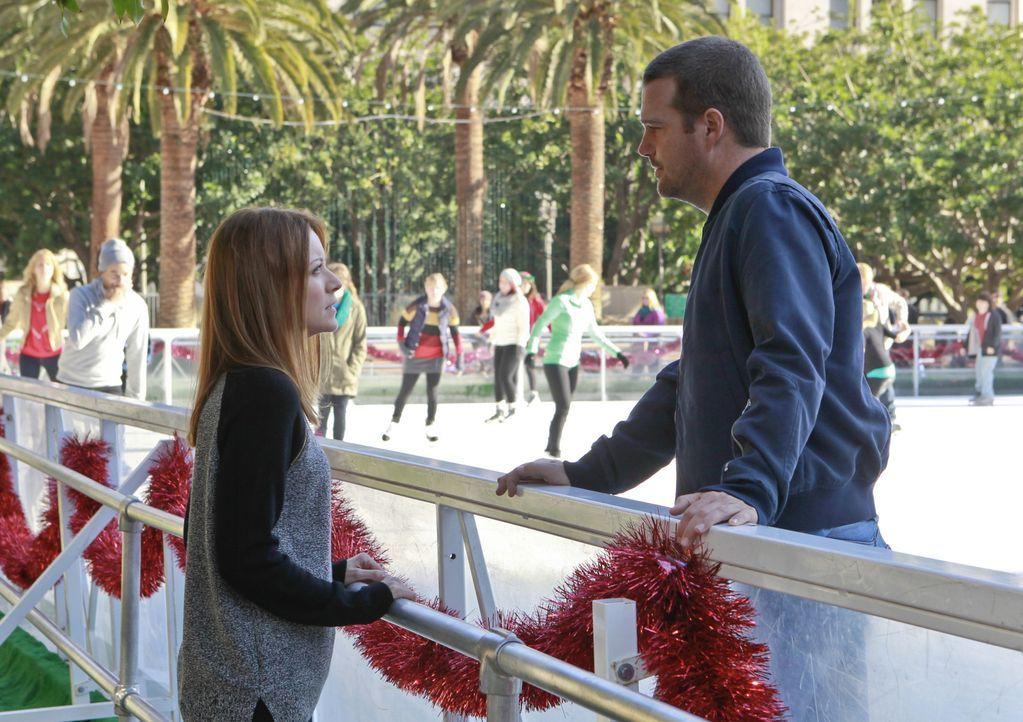 Nach alldem was geschehen ist, gibt Joelle (Elizabeth Bogush, l.) Callen (Chris O'Donnell, r.) noch eine Chance ... - Bildquelle: CBS Studios Inc. All Rights Reserved.
