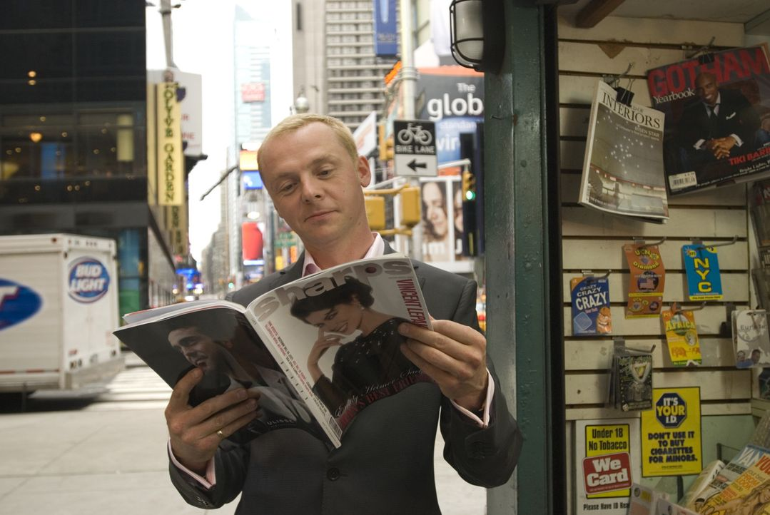 "Der akademisch gebildete Celebrity-Autor Sidney (Simon Pegg) glaubt sich im Paradies, als ihn das New Yorker Hochglanzblatt ""Sharps"" einstellt. Mit... - Bildquelle: UK Film Council/ Channel Four Television Corporation /Alienate Limited 2008"