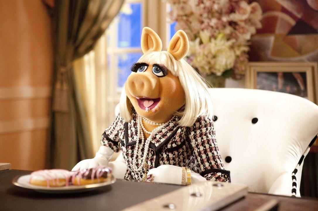 """Die erfolgreiche Chefredakteurin der """"Vogue"""", Miss Piggy, wird nach Los Angeles gerufen, um den Abriss der Muppet-Studios zu verhindern ... - Bildquelle: The Muppets Studio, LLC. All rights reserved"""