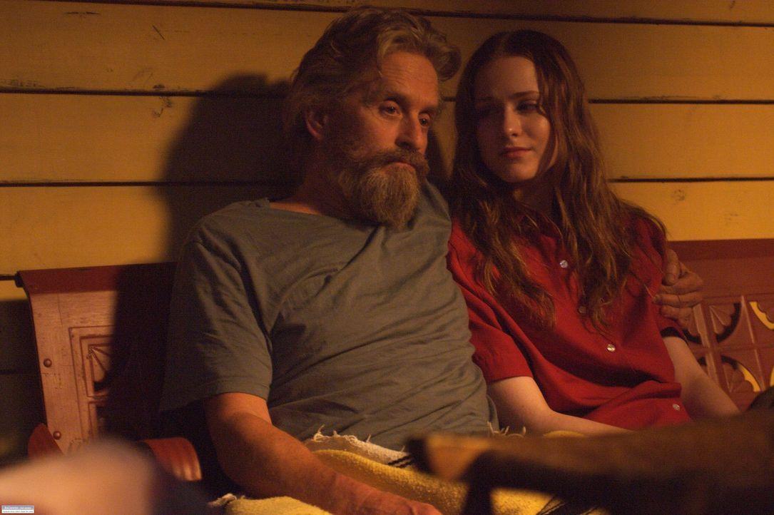 Charlie (Michael Douglas, l.) und seine Tochter (Evan Rachel Wood, r.) verstehen sich endlich wieder etwas besser ... - Bildquelle: Nu Image