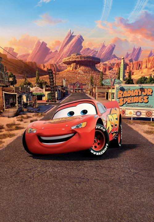 Um zum besten Rennauto aller Zeiten aufzusteigen, muss Lightning McQueen nur noch in einem einzigen Rennen siegen. Also macht er sich von der Ostkü... - Bildquelle: Walt Disney Pictures