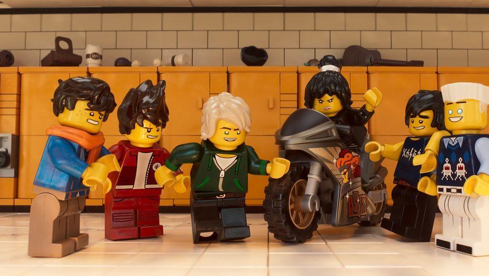 The LEGO Ninjago Movie - Bildquelle: 2017 Warner Bros. Entertainment Inc. and Ratpac-Dune Entertainment LC. LEGO, the LEGO logo, the Minifigure and NINJAGO are © & TM of the LEGO Group.