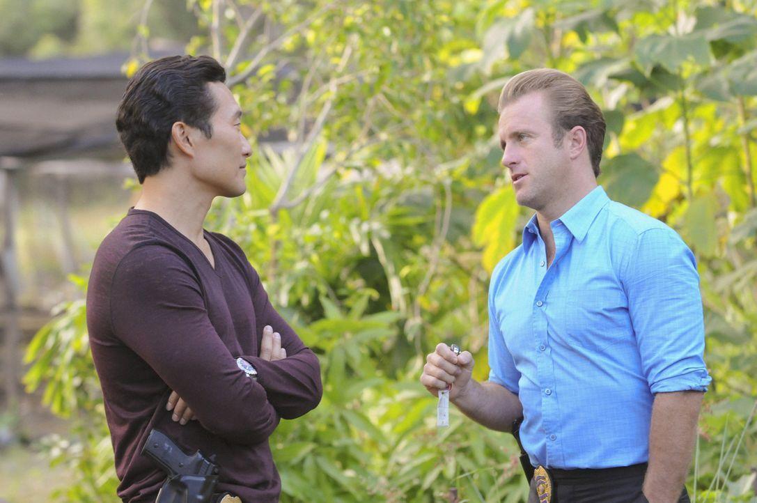 Ein neuer Fall wartet auf Chin (Daniel Dae Kim, l.) und Danny (Scott Caan, r.) ... - Bildquelle: 2012 CBS Broadcasting, Inc. All Rights Reserved.