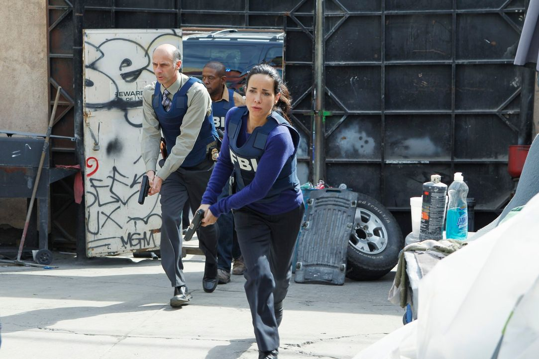 Geben alles, um einen Serientäter zur Strecke zu bringen: Det. Brigman (David Marciano, l.), Sam (Forest Whitaker, M.) und Beth (Janeane Garofalo, r... - Bildquelle: ABC Studios