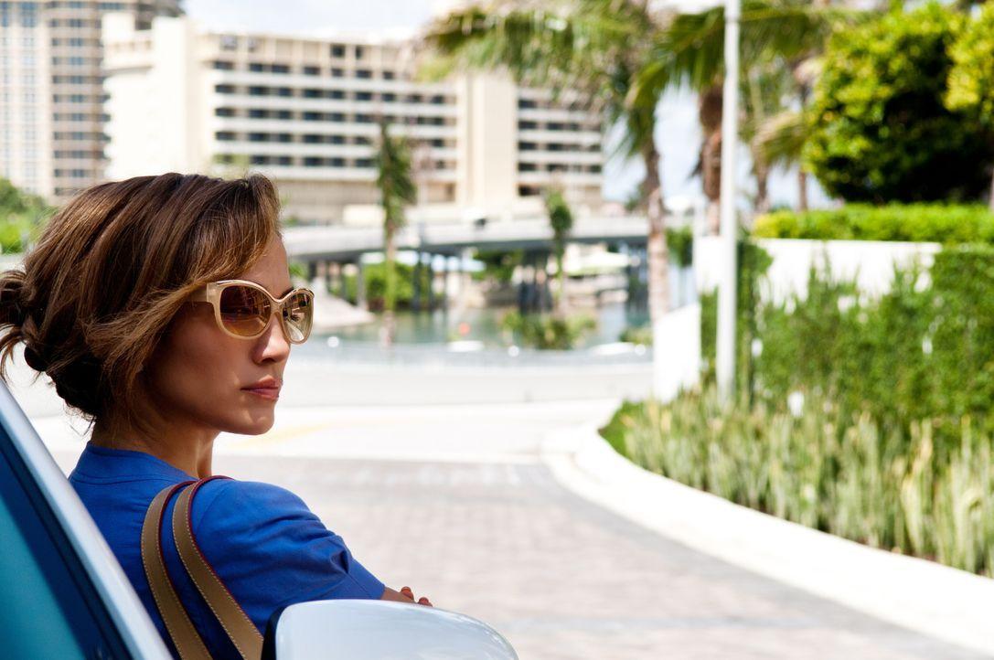 Scheinbar hat sie das Glück endlich gefunden: Leslie (Jennifer Lopez) zieht einen profitablen Kunden an Land ... - Bildquelle: Jack English 2013 Constantin Film Verleih GmbH / Jack English