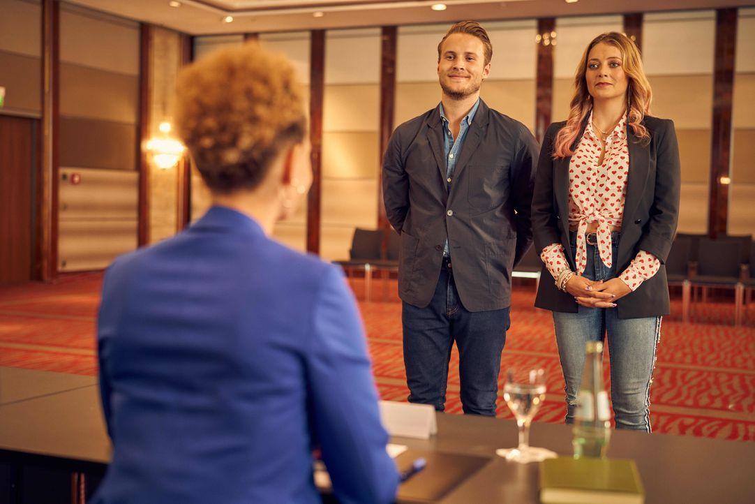 Alex (Nicolas Wolf, l.); Nicole Pütz (Hanna Plaß, r.) - Bildquelle: Frank Dicks SAT.1 / Frank Dicks