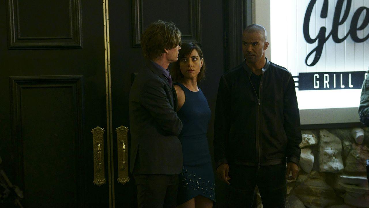 Ist ihr Fall wirklich abgeschlossen, als Reid (Matthew Gray Gubler, l.) und Morgan (Shemar Moore, r.) Cat Adams (Aubrey Plaza, M.) verhaften? - Bildquelle: Monty Brinton ABC Studios