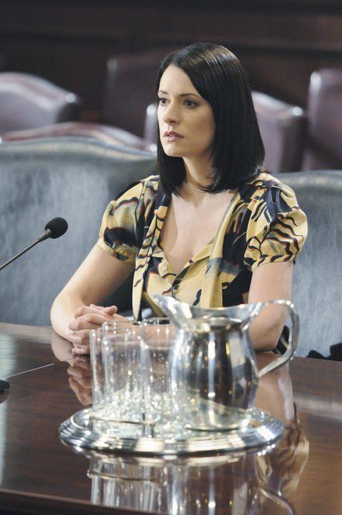 Für einen ganz besonderen Einsatz muss sich Prentiss (Paget Brewster) beim Strafkomitee des US-Senats verantworten ... - Bildquelle: ABC Studios