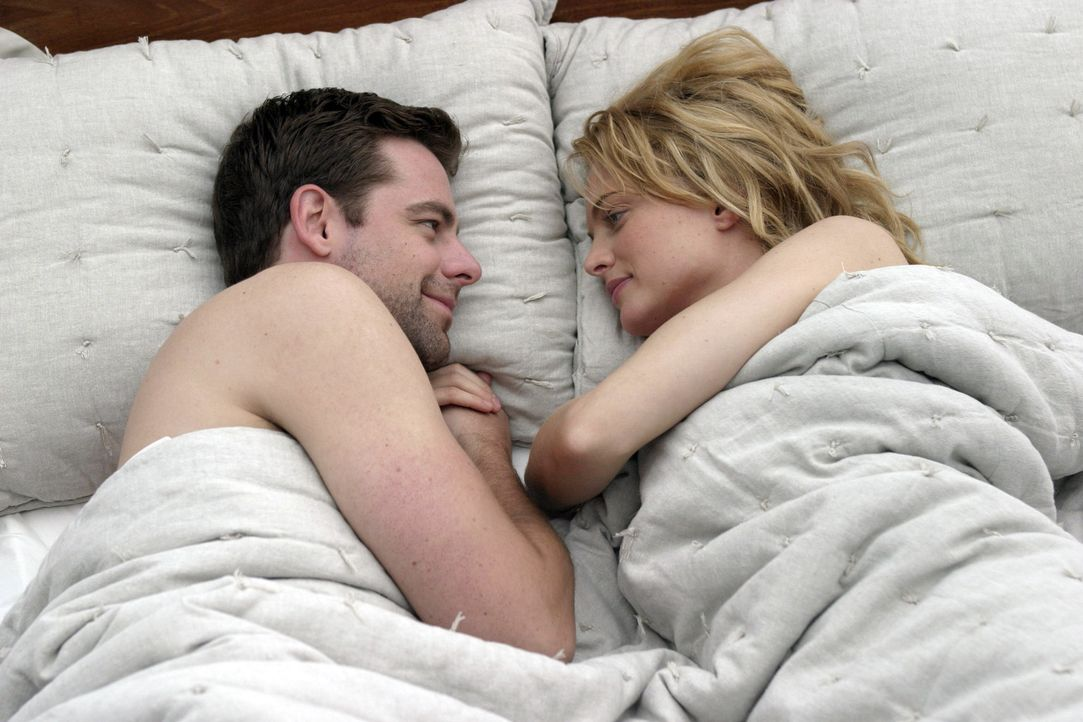 Eigentlich sollte man ja nicht mit seinem Mentor schlafen, doch bei Ian Gray (David Sutcliffe, l.) musste Pippa McGee (Heather Graham, r.) einfach e... - Bildquelle: First Look Media