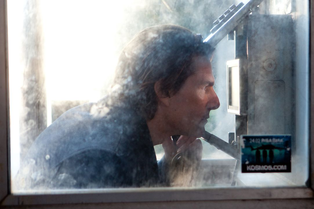 Um die Welt vor einem Atomkrieg zu bewahren, riskiert Ethan Hunt (Tom Cruise) sein Leben ... - Bildquelle: 2011 Paramount Pictures.  All Rights Reserved.