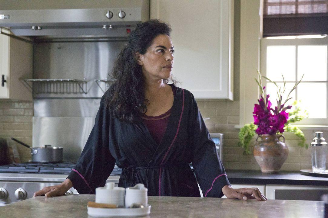 Nach alldem was vorgefallen ist, hat Mira (Sarita Choudhury) ein schlechtes Gewissen Saul gegenüber ... - Bildquelle: 2013 Twentieth Century Fox Film Corporation. All rights reserved.