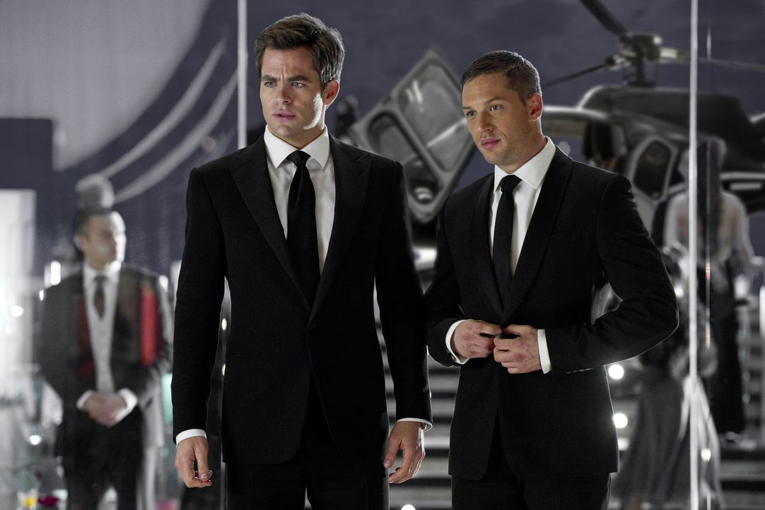 Nach einem missglückten Einsatz werden die CIA-Agenten FDR (Chris Pine, l.) und Tuck (Tom Hardy, r.) in den Innendienst strafversetzt. Unabhängig vo... - Bildquelle: Kimberley French TM and   2012 Twentieth Century Fox Film Corporation. All rights reserved. Not for sale or duplication.
