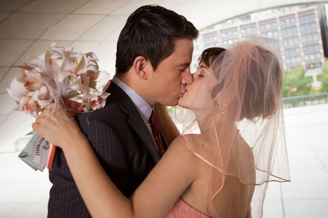 Der schönste Tag im Leben: Für Leo (Channing Tatum, l.) und Paige (Rachel McAdams, l.) ist es ganz gewiss der Tag ihrer Hochzeit, denn sie sind jung... - Bildquelle: Kerry Hayes 2010 Vow Productions, LLC. All rights reserved.