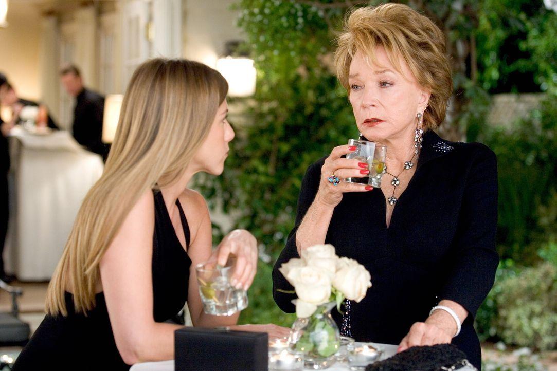 """War sie etwa die reale Vorlage für Mrs. Robinson, die verführerische Mittvierzigerin aus dem Filmklassiker """"Die Reifeprüfung""""? Sarah (Jennifer Anist... - Bildquelle: Warner Bros. Pictures"""