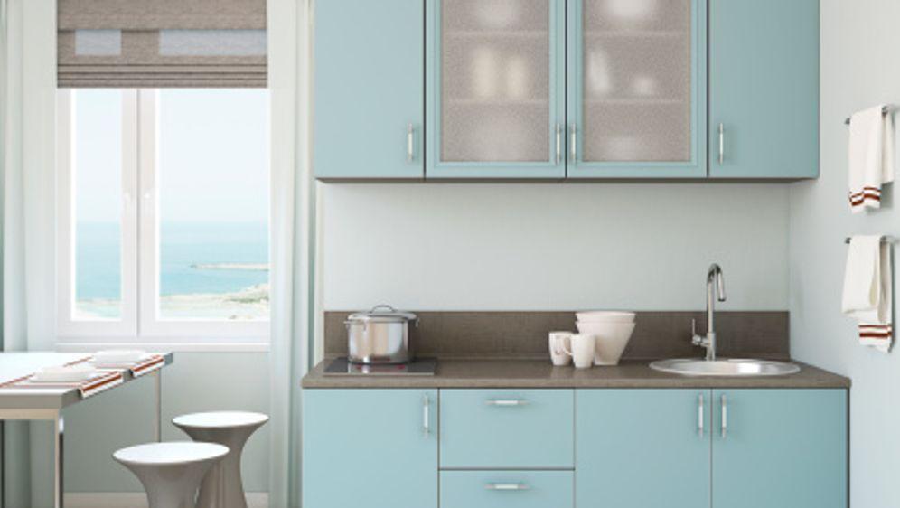 Küchenfronten erneuern – ganz einfach mit Klebefolie