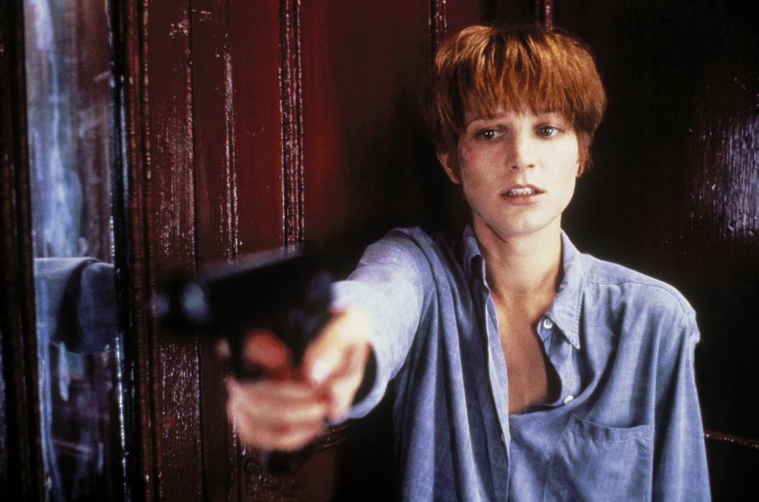Als Allison (Bridget Fonda) endlich die Wahrheit über ihre Mitbewohnerin herausfindet, scheint es bereits zu spät zu sein ... - Bildquelle: Columbia Pictures