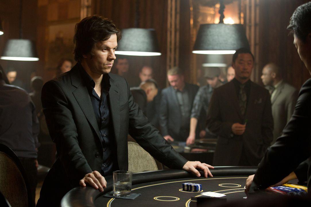 """All in! Setzt nicht nur sein eigenes Leben, sondern auch das seiner Nächsten aufs Spiel: """"The Gambler"""" Jim (Mark Wahlberg) ... - Bildquelle: Claire Folger 2016 Paramount Pictures / Claire Folger"""