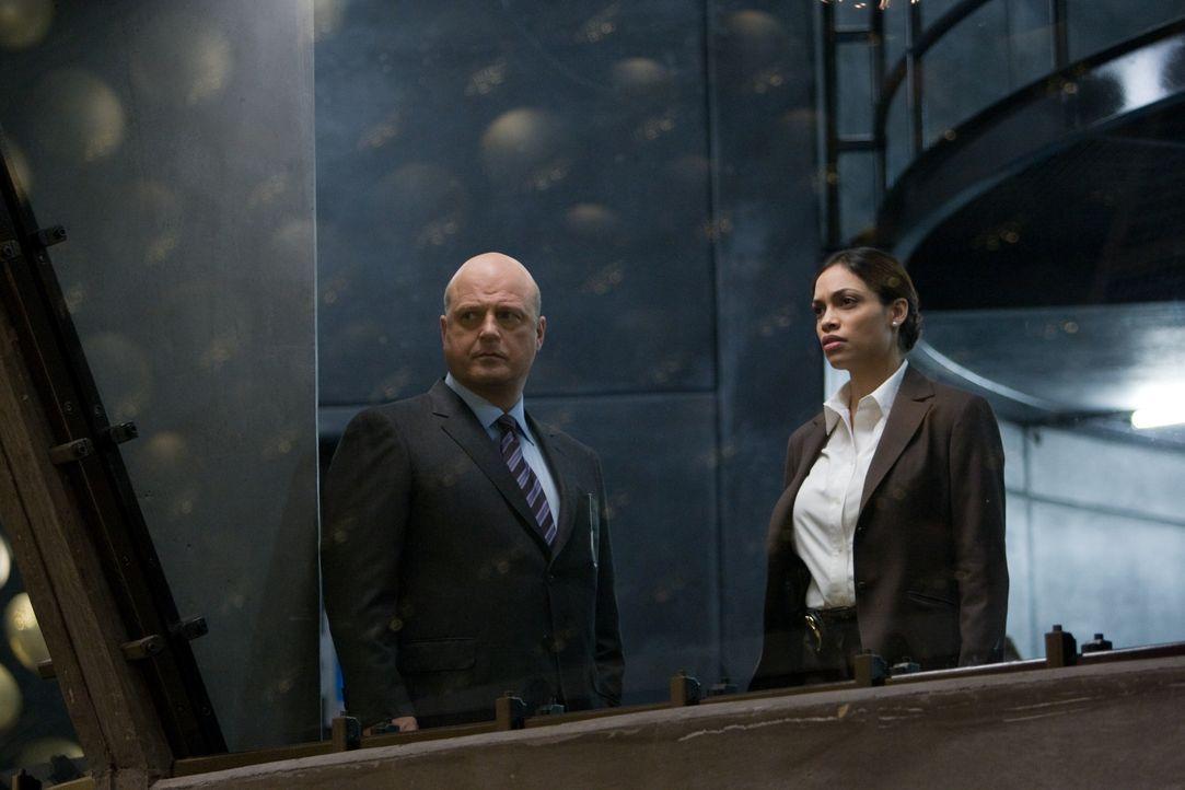 Unterstützt FBI Agenten Morgan eher widerwillig: Air Force Special Agent Zoe Perez (Rosario Dawson, r.) ... - Bildquelle: Paramount Pictures International