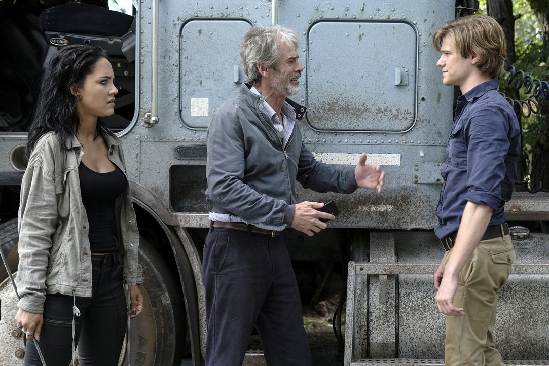(v.l.n.r.) Riley Davis (Tristin Mays); Vasil (C. Thomas Howell); MacGyver (Lucas Till) - Bildquelle: Guy D'Alema 2018 CBS Broadcasting, Inc. All Rights Reserved.