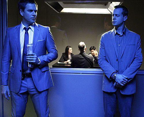 Versuchen den neuen Fall aufzuklären: McGee (Sean Murray, r.) und Tony (Michael Weatherly) - Bildquelle: CBS Television