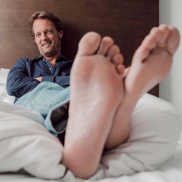 Steffen von der Beeck Füße - Bildquelle: SAT.1/Arne Weychardt