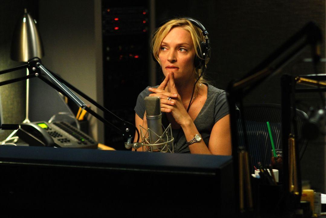 Die erfolgreiche Radio-Moderatorin Emma Lloyd (Uma Thurman) steht ihren Zuhörern in allen Beziehungsfragen immer gerne zur Seite. Doch als sie eine... - Bildquelle: 2008 Accidental Husband Intermediary, Inc. All Rights Reserved.