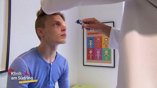 Klinik Am Südring - Die Familienhelfer - Klinik Am Südring - Die Familienhelfer - Völlig Verschwitzt