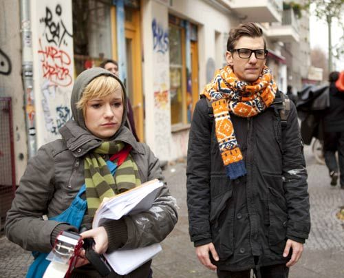 Nimmt Emma Hotte ernst als er seine Traumfrau auf einem Plakat entdeckt? - Bildquelle: David Saretzki - Sat1