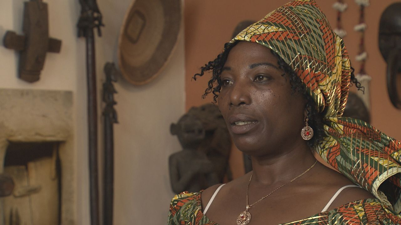 Schmerz-aus-Afrika9 - Bildquelle: SAT.1