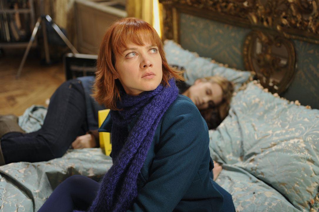 Chloé (Odile Vuillemin) wird nicht aufgeben, bis der Mörder von Maryline Hardouin überführt wurde ... - Bildquelle: 2008 - Beaubourg Audiovisuel/BeFilms/RTBF (Télévision Belge)