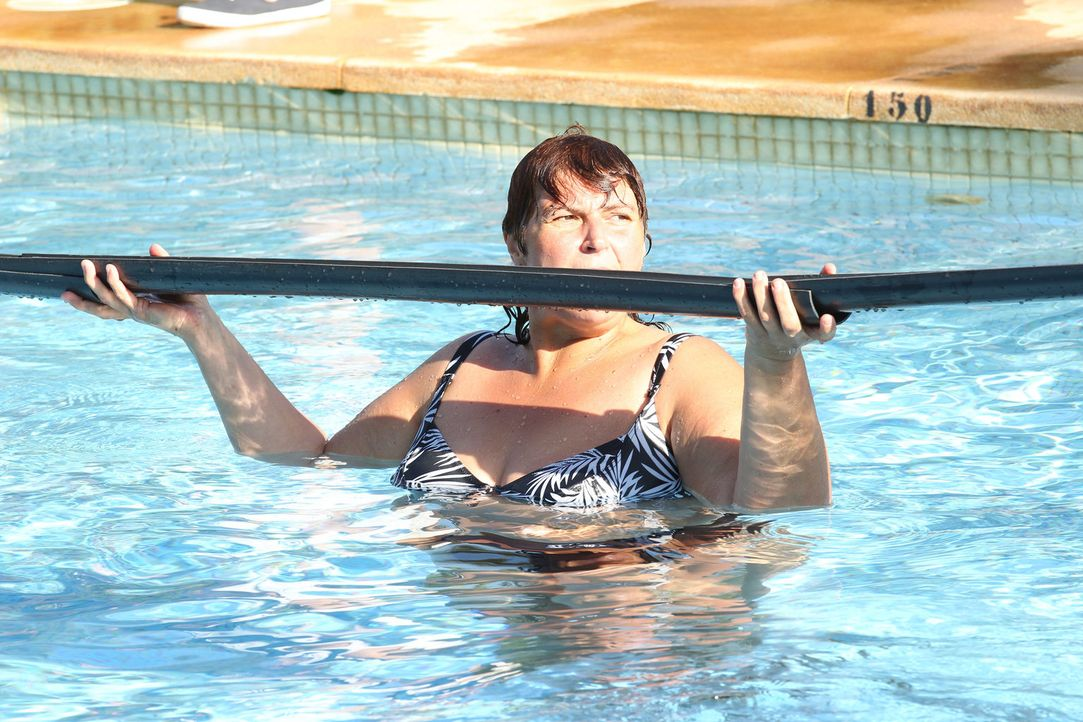 Versenke deinen Trainer! Michaela hat an diesen Challenge durchaus ihren Spaß ... - Bildquelle: SAT.1/Enrique Cano