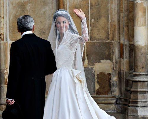 William-Kate-Einzug-Kirche-Kate-Middleton4-11-04-29-500_404_AFP - Bildquelle: AFP